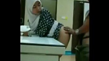 hijab ma indonesia jilbab anak ngentot di hu Huge shaved cock bareback