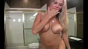 vidyo suk sex Handjob friend and brother