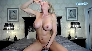big ci anal Insert live fish up her ass