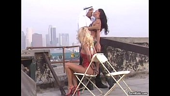 video nues femme Man force young girl