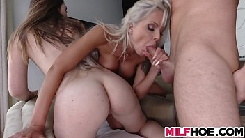 by masterbating stepmom cought Naughty raven lesbians scissor