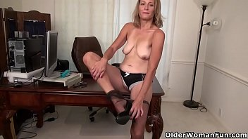 great lips enjoys milf pussy hairy with cock Angry mom caught you
