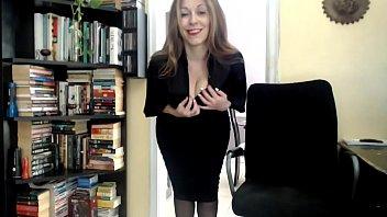 pantyhose tease milf office So as adolecentes nuas se mostrando no fascebook