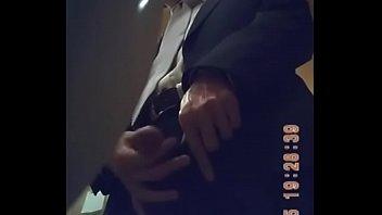 peeing sexygirls toilet Orgasmos por webcam argentinas