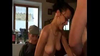 femme baisant en ado une levrette Amateur screaming milf getting fucked5