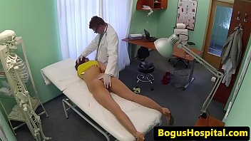 of fuck amateurs euro gystyle group Finge estar dormida
