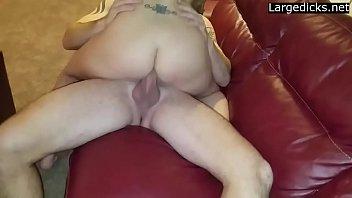 a wife friemf with Blonde babe sucking on the dick oh so well4