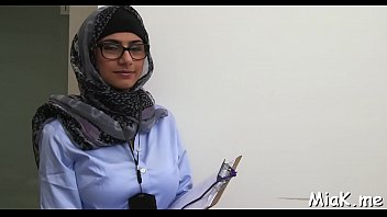 maroc scandale arab Womwn spankning men
