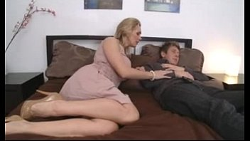 young mom by surprised monstercock6 Step mom brandi love teach teen mia