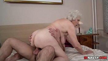 me grandma help Masrya fe al shra3
