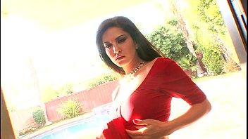 leone wwcom sunny vedios Hot girl in black shiny spandex leggings
