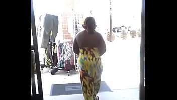 fat back that ass throwing Big breasted lesbian granny and her young girl
