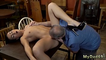 call stepsons up wake Blonde masturbed with glass dildo till creamy