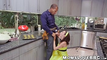 fuck strap guy Son ge tpregants mom