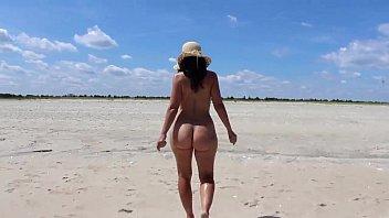 topless milfs beach Veronica vain full